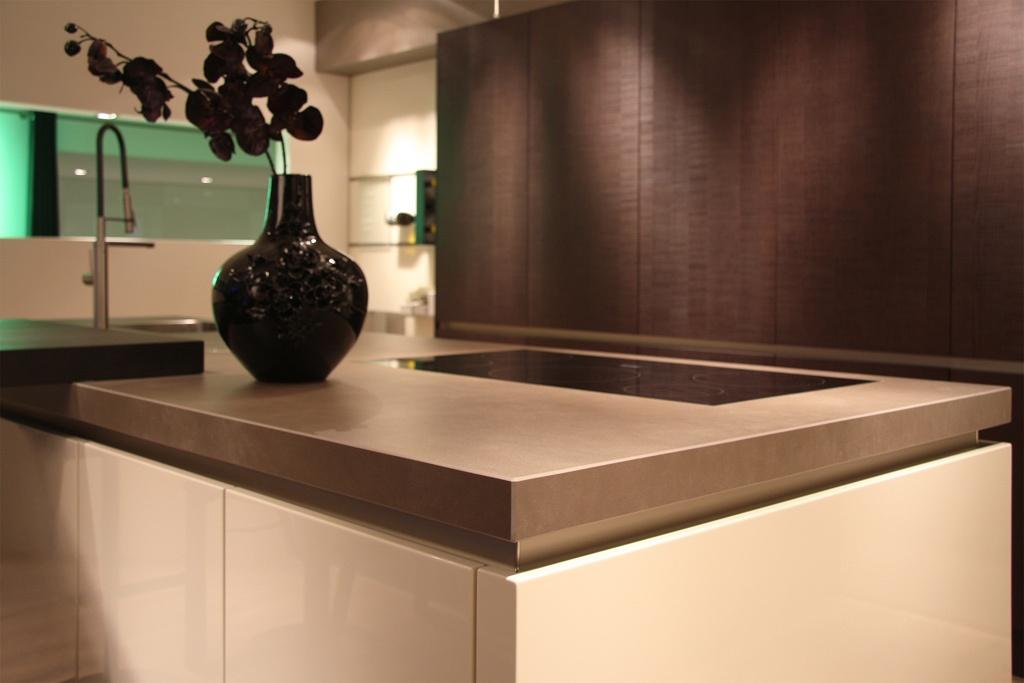 Keramiek werkbladen jetstone samenwerkingspartner in for Werkblad keuken keramiek