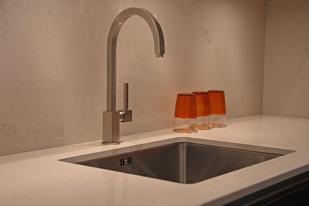 Witte Wasbak Keuken: Keuken van jaren woning interieur inrichting ...